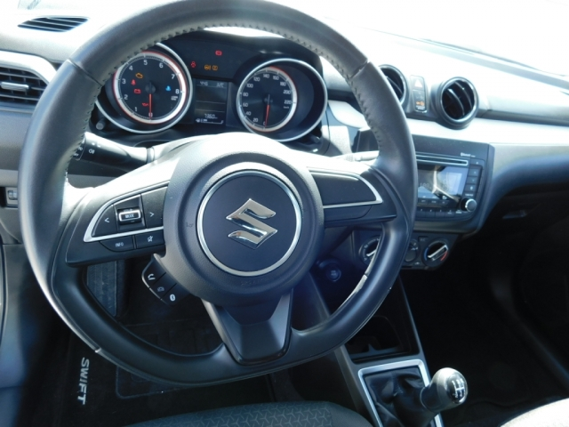 Suzuki_Swift_2019_04